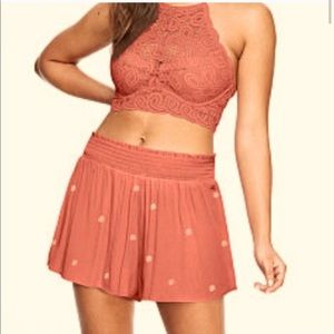 Pink smoked so rosey embroidered shorts S